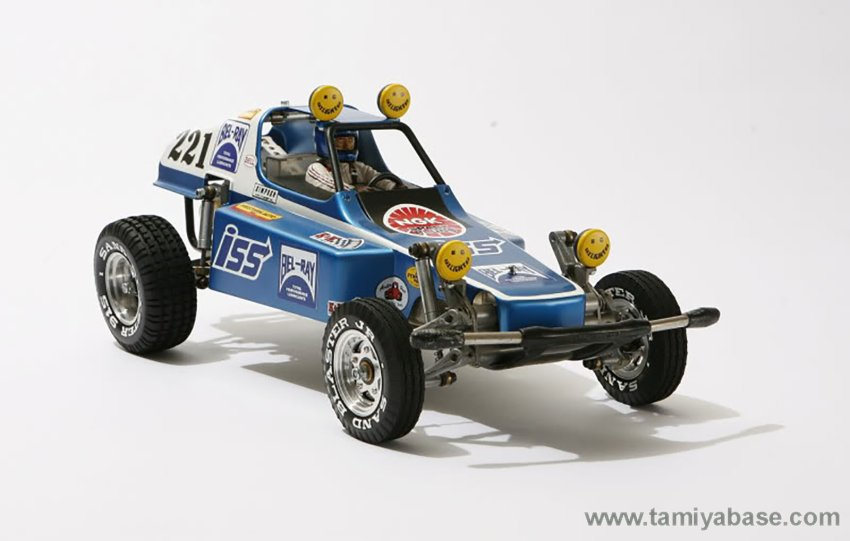 Tamiya rough Rider Bel-Ray version, front 3/4 view. Image by Sayrol @ scalebuildersguild.com