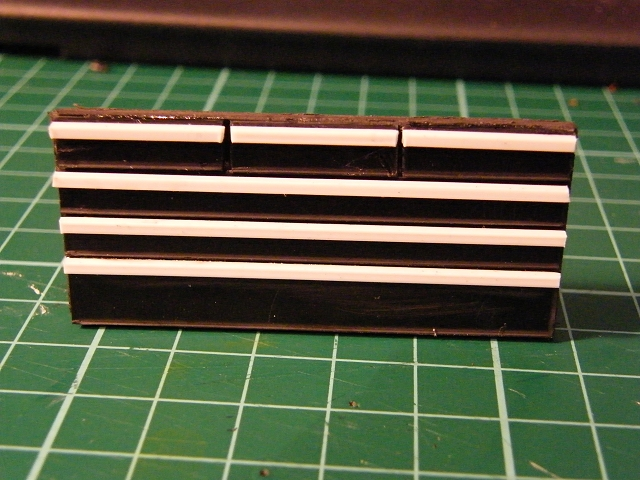 001_004_chest_upper_drawer_parts_assembled.jpg