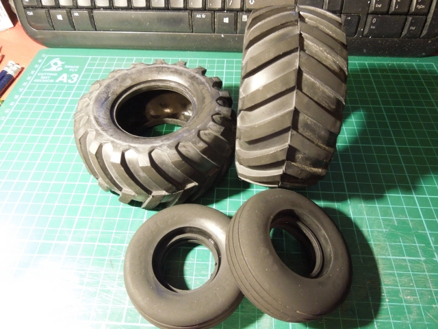 jr_fiat_880dt_013_004_tyres_finished.jpg